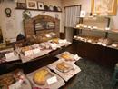 窯焼きパンと焼菓子の店・酪